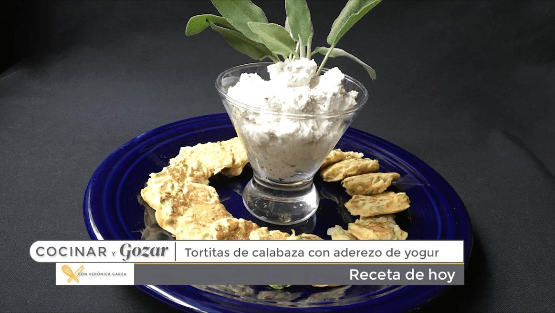 Tortitas De Calabaza Con Aderezo De Yogurt