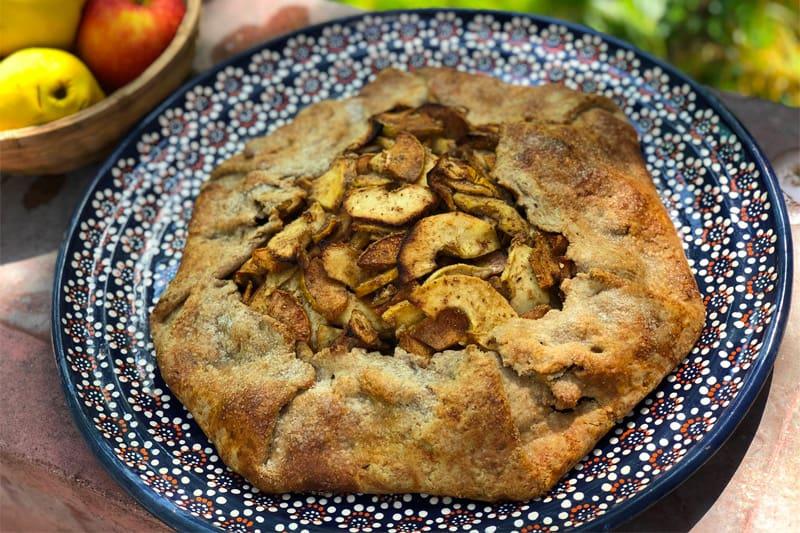 Pastel Rústico De Membrillo y Manzana