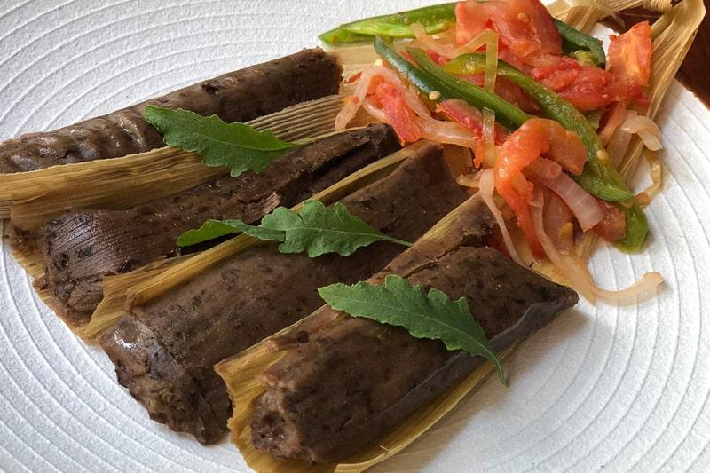 Tamales De Frijol Negro Con Epazote