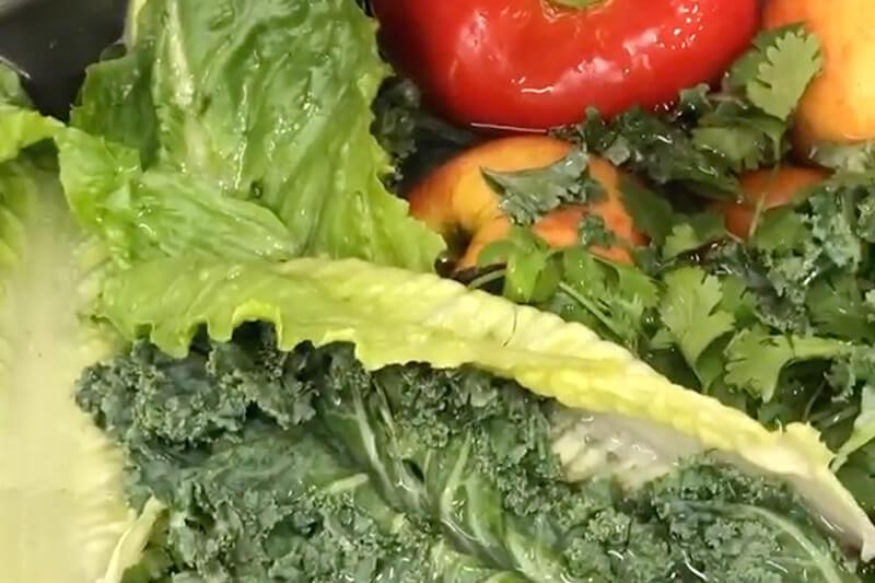 ¿Cómo desinfectar y conservar verduras?